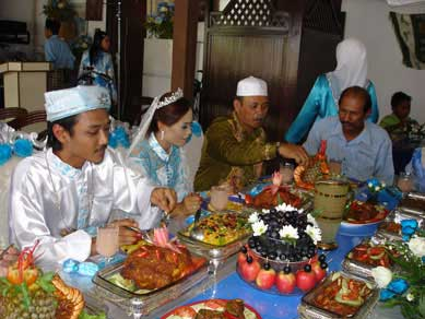 malay table manners, essential at a Malay Wedding