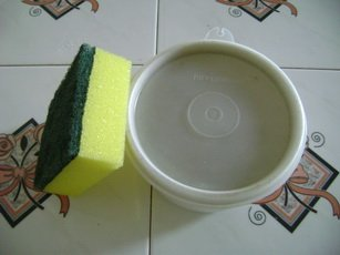 sponge for cleaning Tupperware