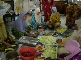Busy ladies at the kenduri